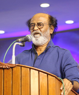 All The Superstar Fans Out There Are Wondering If Thalaivar Is Hintig About His Entry in Politics!! What Do You Think?